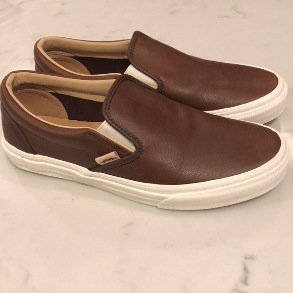 ab49d71ae4 Vans Lux Leather Classic Slip-on Sneakers. M 5afd21209d20f0ef35e59080